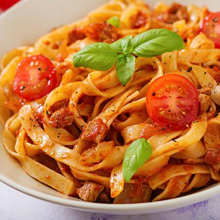 Bolognese (bolognesesaus, parmesankaas)